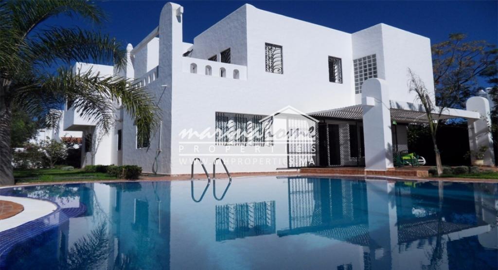 Villa avec piscine sur la route de Cabo Negro