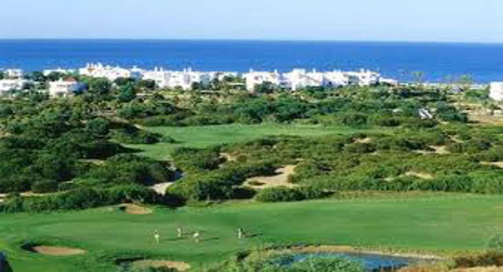 Grand appartement au Golf Beach de Cabo Negro
