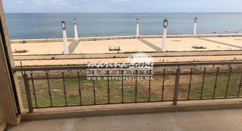Villa front la mer à Fnideq